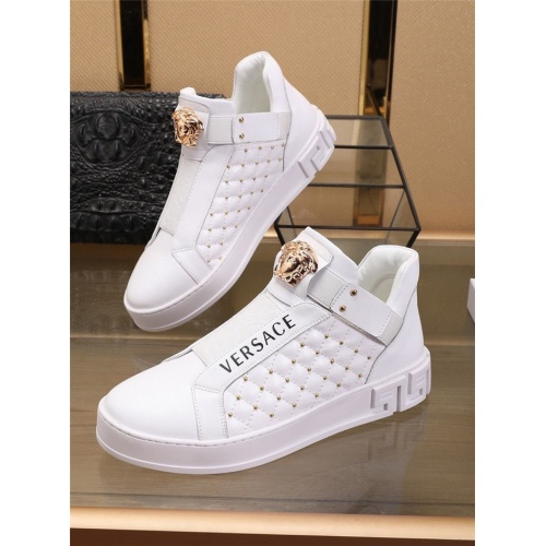 Versace Casual Shoes For Men #829926
