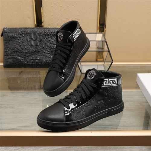 Versace High Tops Shoes For Men #829928