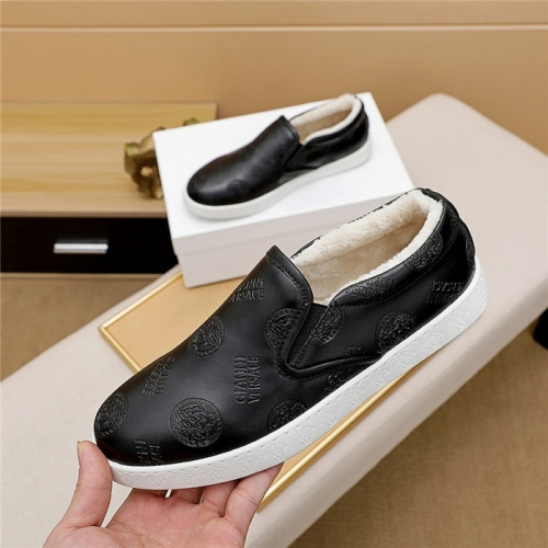 Versace Casual Shoes For Men #830511