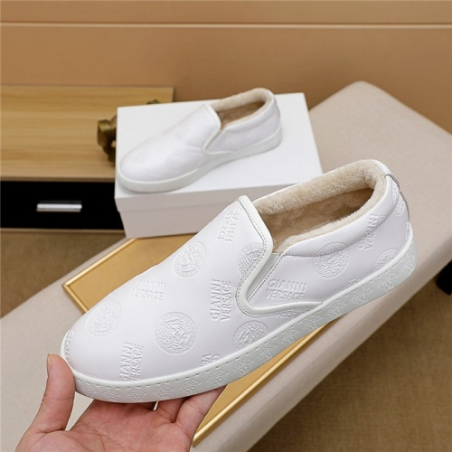 Versace Casual Shoes For Men #830512