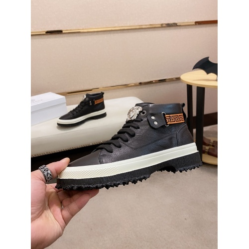 Versace Casual Shoes For Men #831021