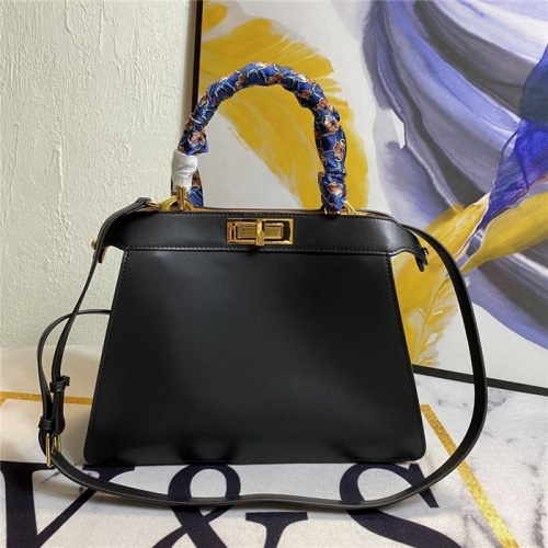 Fendi AAA Quality Handbags For Women #831366