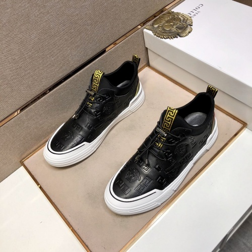 Versace Casual Shoes For Men #832051