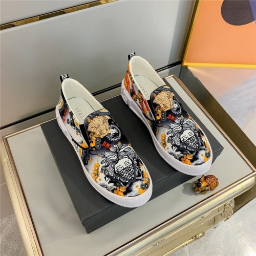 Versace Casual Shoes For Men #832058
