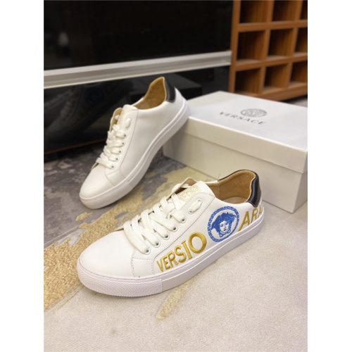 Versace Casual Shoes For Men #832060