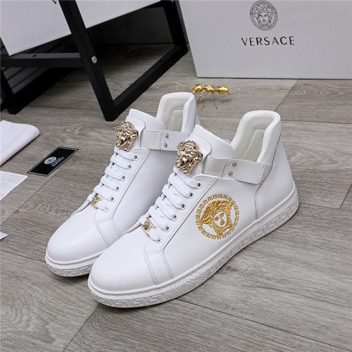 Versace Casual Shoes For Men #832073