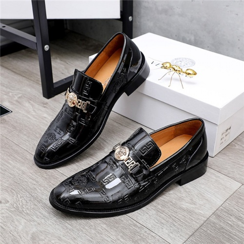Versace Leather Shoes For Men #832086