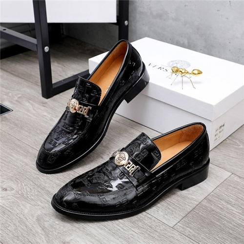 Versace Leather Shoes For Men #832087