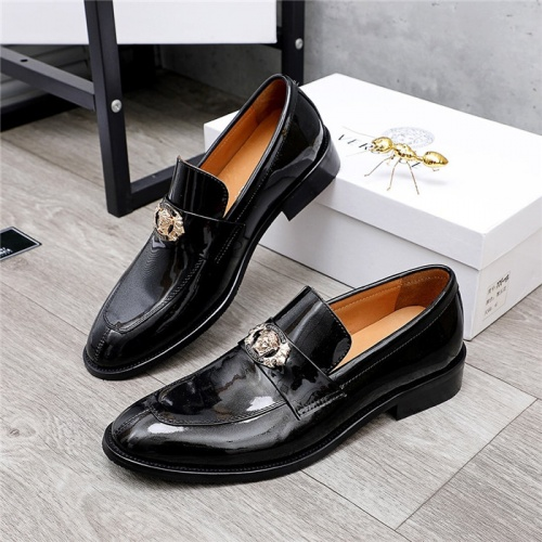 Versace Leather Shoes For Men #832088
