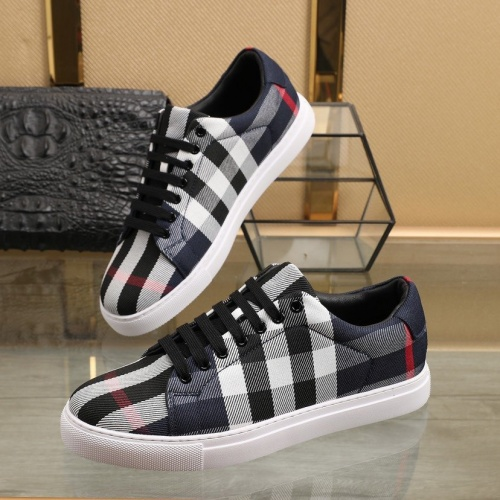 Burberry Casual Shoes For Men #832673