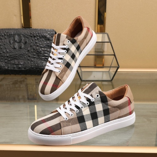 Burberry Casual Shoes For Men #832674