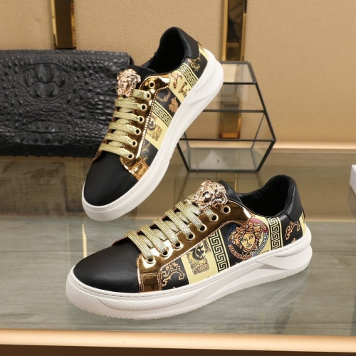 Versace Casual Shoes For Men #832716