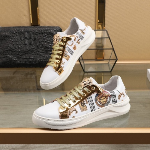 Versace Casual Shoes For Men #832717