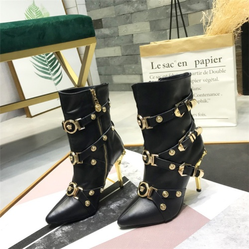 Versace Boots For Women #833027