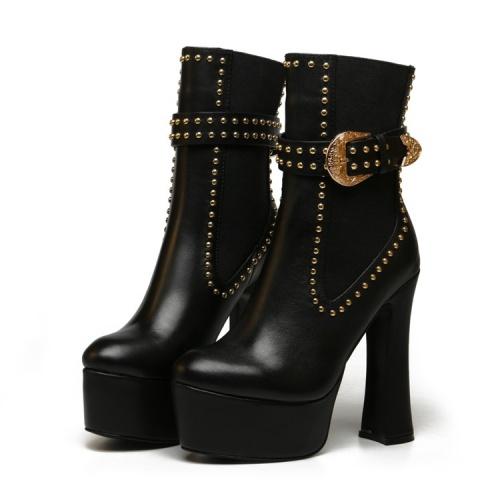 Versace Boots For Women #833029