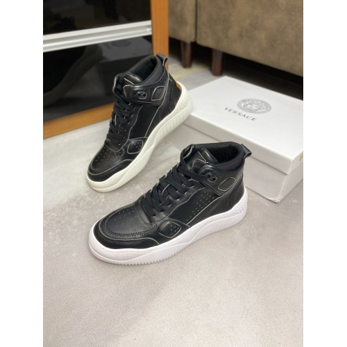 Versace High Tops Shoes For Men #833031