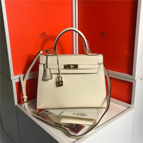 Hermes AAA Quality Handbags For Women #833402