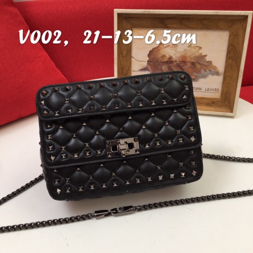 Valentino AAA Quality Messenger Bags For Women #833847