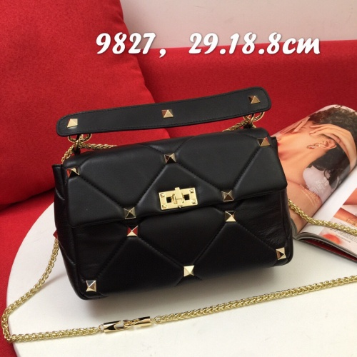 Valentino AAA Quality Messenger Bags For Women #833858