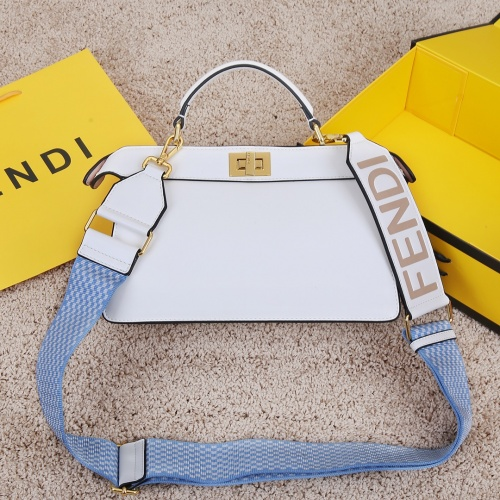Fendi AAA Messenger Bags For Women #833868