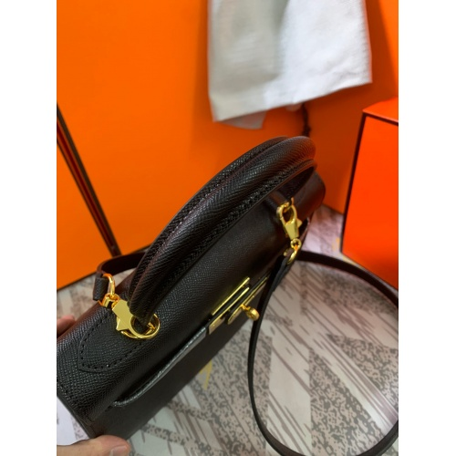 Replica Hermes AAA Quality Messenger Bags For Women #833892 $125.00 USD for Wholesale
