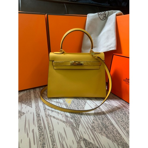 Hermes AAA Quality Messenger Bags For Women #833893