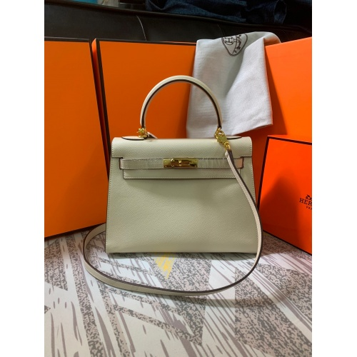 Hermes AAA Quality Messenger Bags For Women #833894
