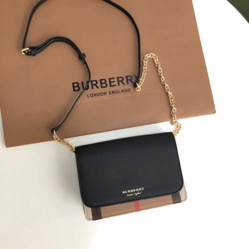 Burberry AAA Quality Messenger Bags For Women #834171