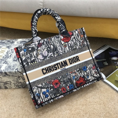 Christian Dior AAA Quality Tote-Handbags For Women #834342