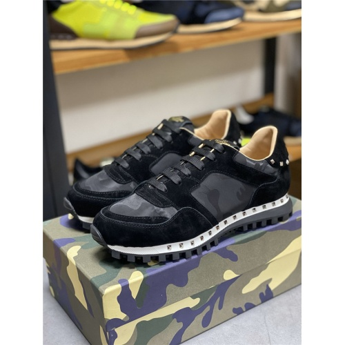 Valentino Casual Shoes For Men #834613