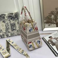 $96.00 USD Christian Dior AAA Quality Handbags For Women #831919