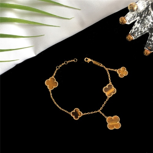 Van Cleef & Arpels Bracelets For Women #835361