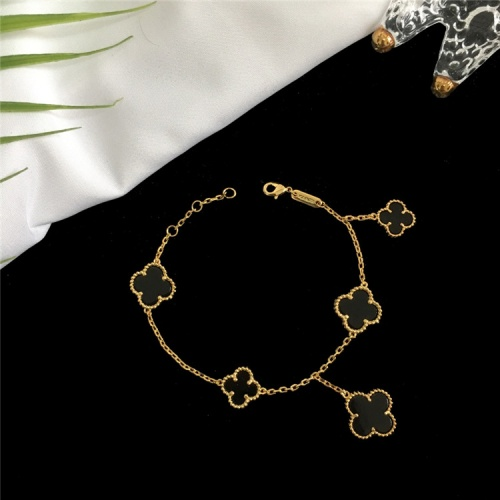Van Cleef & Arpels Bracelets For Women #835366 $42.00 USD, Wholesale Replica Van Cleef & Arpels Bracelets