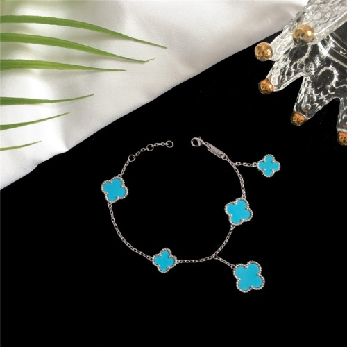 Van Cleef & Arpels Bracelets For Women #835367