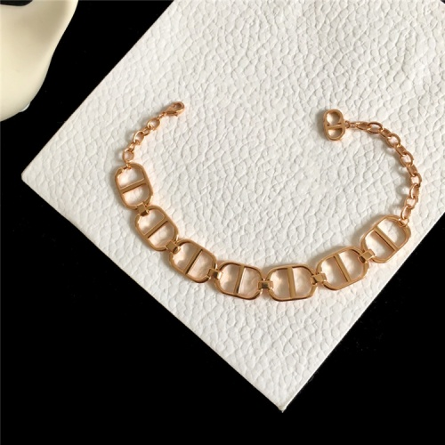 Christian Dior Bracelets For Women #835396