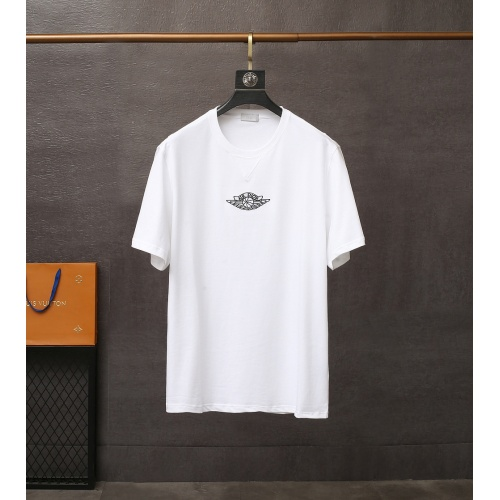 Christian Dior T-Shirts Short Sleeved For Men #835407