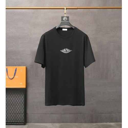 Christian Dior T-Shirts Short Sleeved For Men #835408