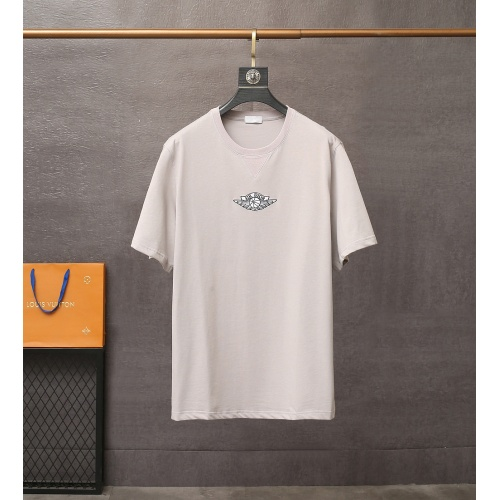 Christian Dior T-Shirts Short Sleeved For Men #835409