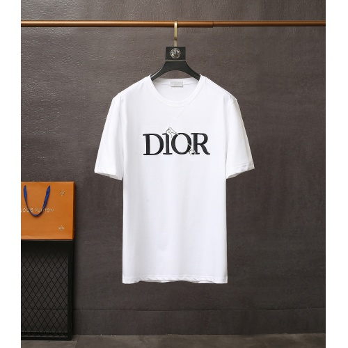 Christian Dior T-Shirts Short Sleeved For Men #835410