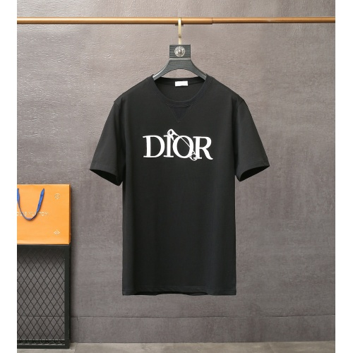 Christian Dior T-Shirts Short Sleeved For Men #835411