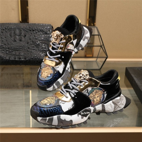 Versace Casual Shoes For Men #835553
