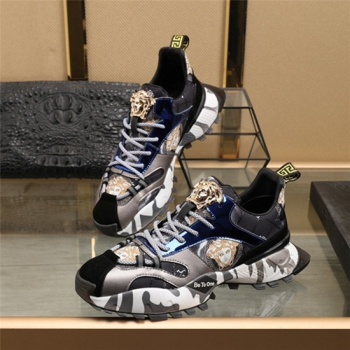 Versace Casual Shoes For Men #835554
