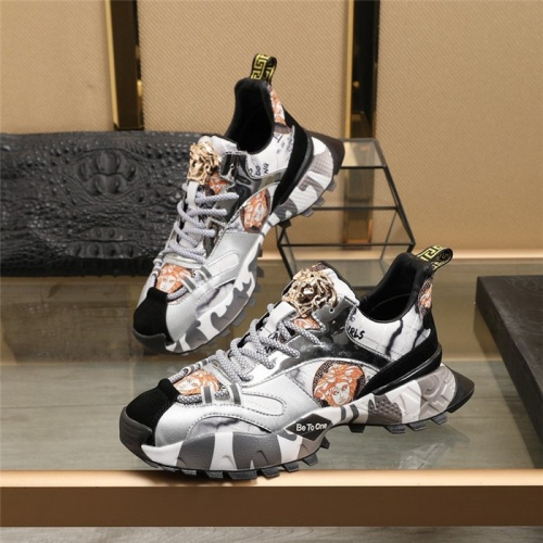 Versace Casual Shoes For Men #835555