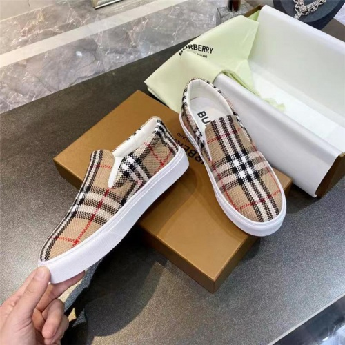 Burberry Casual Shoes For Men #835763