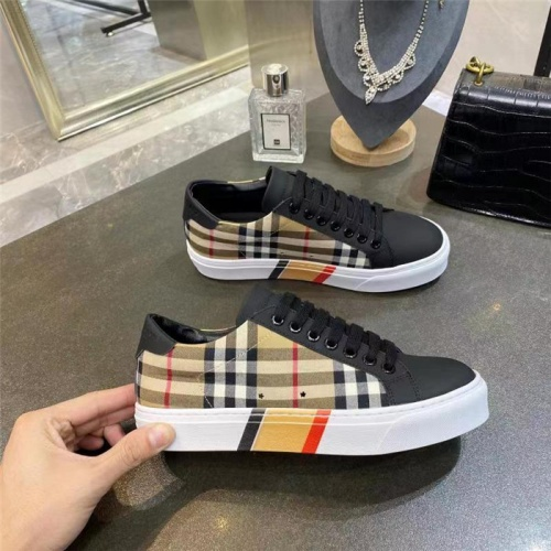 Burberry Casual Shoes For Men #835772