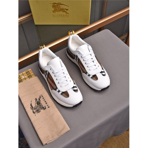Burberry Casual Shoes For Men #836055