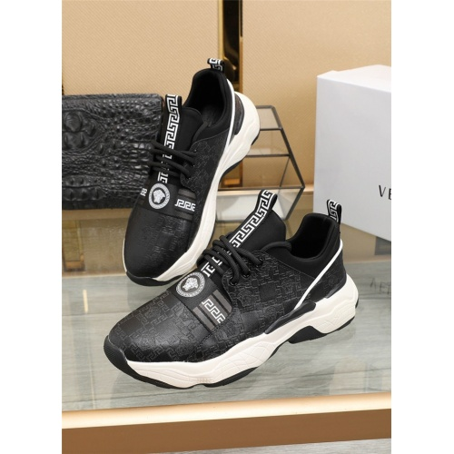 Versace Casual Shoes For Men #836067