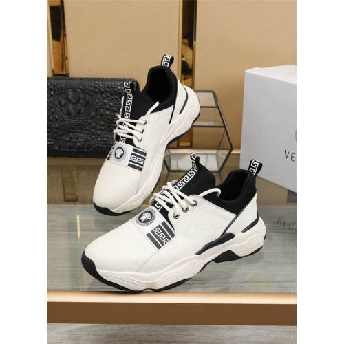 Versace Casual Shoes For Men #836068