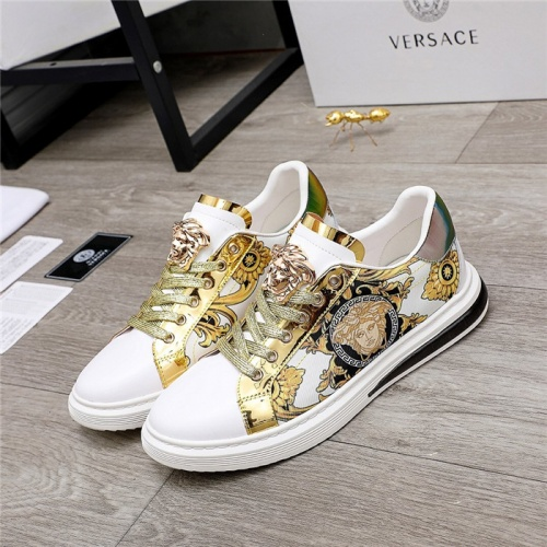 Versace Casual Shoes For Men #836413
