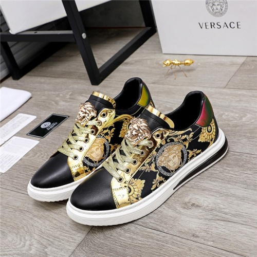 Versace Casual Shoes For Men #836414